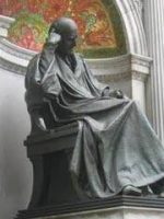 statue_side_view